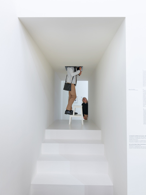 """Bert Theis, """"The Lunghi-Gaeng Project"""", 1996, Collection Mudam Luxembourg, Donation 2020 – Enrico Lunghi et Catherine Gaeng. Vue de l'exposition Bert Theis, """"Building Philosophy – Cultivating Utopia"""", Mudam Luxembourg, 30.03 – 25.08.2019"""