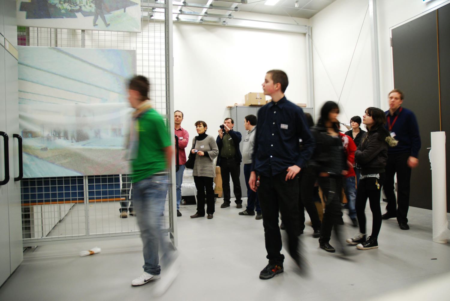 Visit Mudam with your class (early, primary and high school education). We offer interactive guided tours, adapted to the level of the group. Different languages and themes are available.