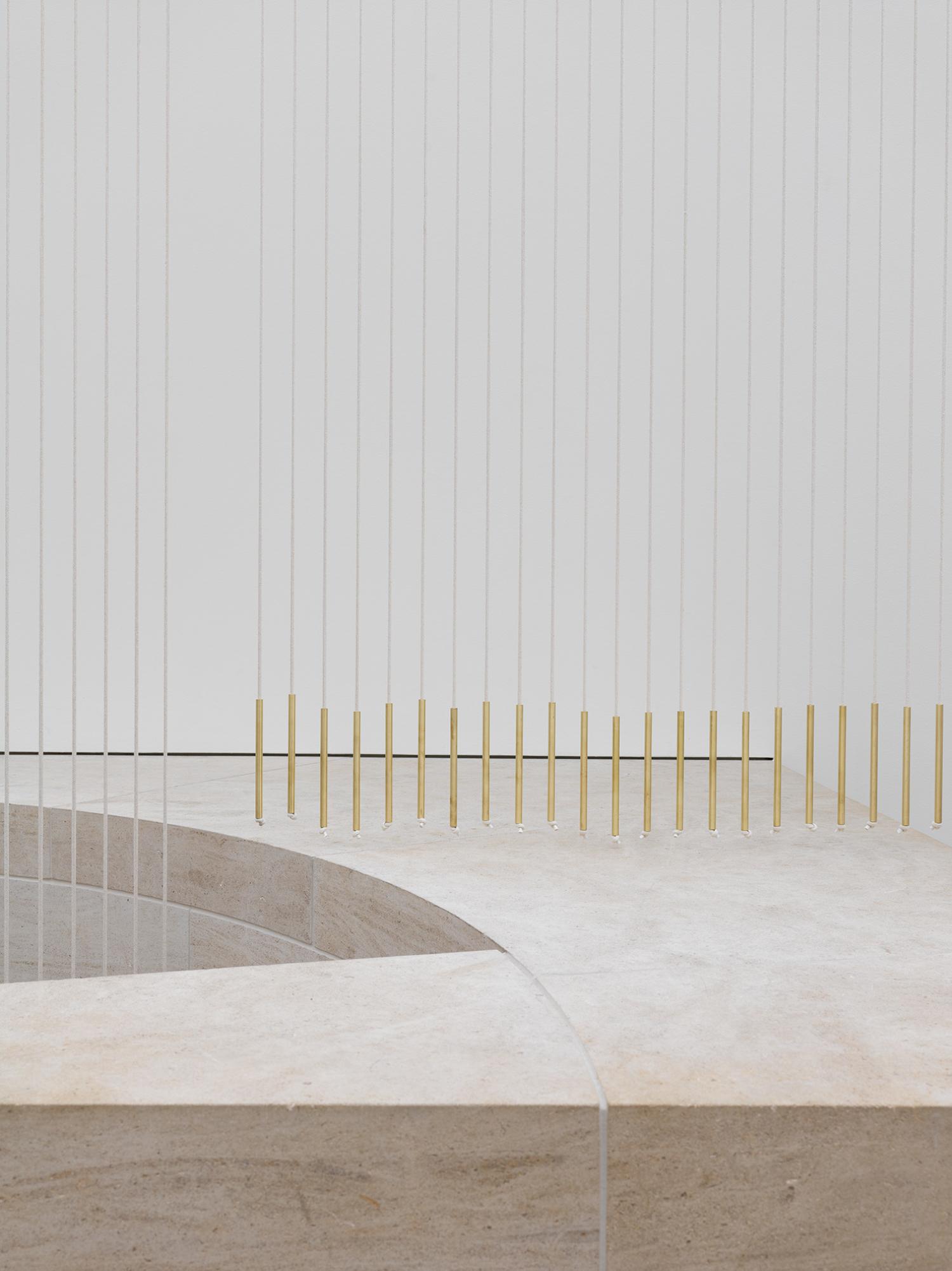 """Vue de l'exposition """"Leonor Antunes. joints, voids and gaps"""", 10.10.2020 – 05.04.2021, Mudam Luxembourg"""
