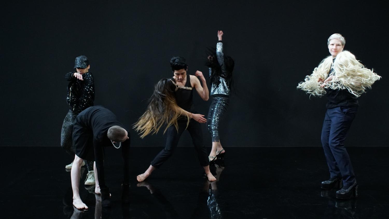 """Moving Backwards"", Pauline Boudry / Renate Lorenz, 2019, still, Installation with HD film, 23 min. Choreography/performance: Julie Cunningham, Werner Hirsch, Latifa Laâbissi, Marbles Jumbo Radio, Nach"