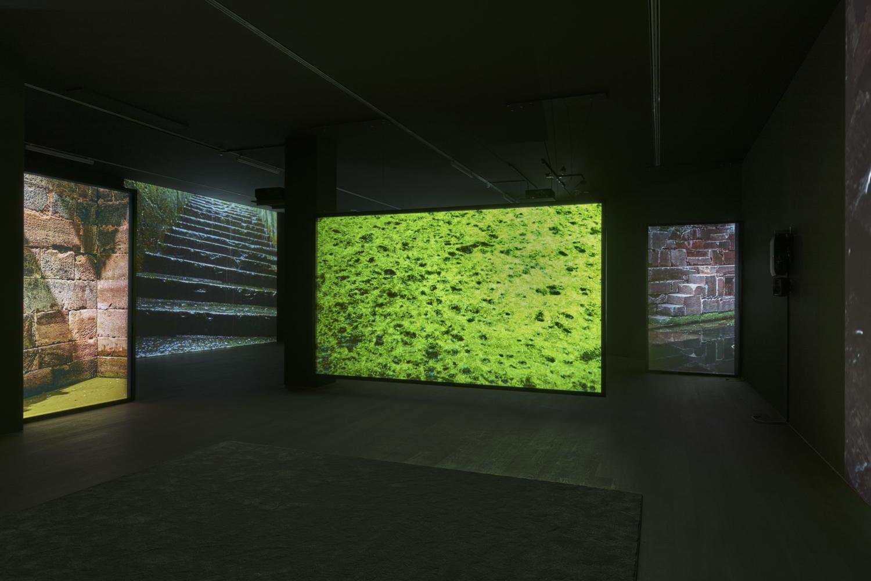 Vue de l'exposition Darren Almond . Timescape, 11.02.2017 – 14.05.2017, Mudam Luxembourg