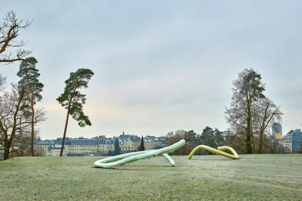 """Nairy Baghramian, """"Beliebte Stellen/Privileged Points"""", 2017. Vue d'installation, Mudam Luxembourg, 2019"""